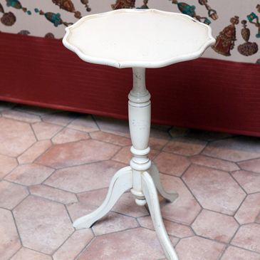 Столик круглый кофейный