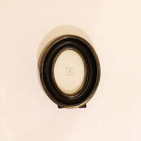 Рамка черная овальная