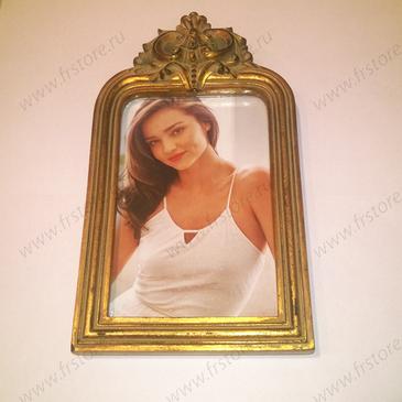 Рамка для фото золотая с вензелями