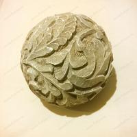 Декоративный резной шар деревянный